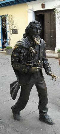 San Francisco de Asís Square: El Caballero de Paris