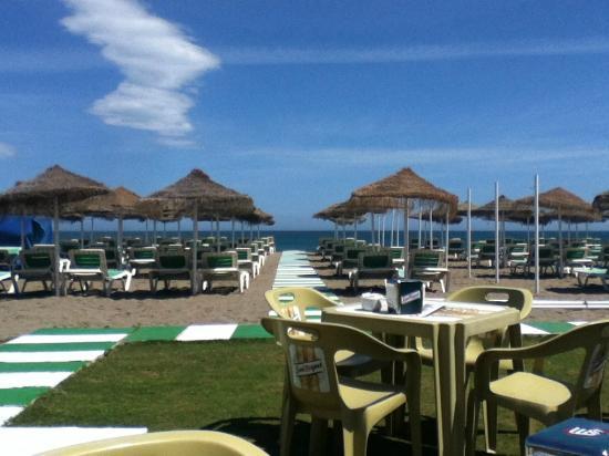 Beach picture of hotel kristal torremolinos tripadvisor for Hotel kristal torremolinos piscina