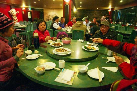 Mandarin Chinese Restaurant: 中国のご家族と」一緒に食事