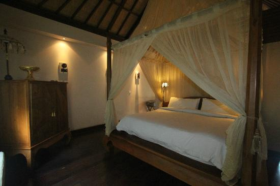 Disini Luxury Spa Villas : inside the room