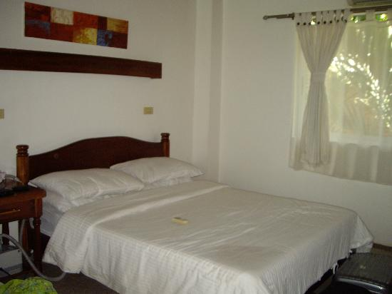 Pinjalo Resort Villas : One of 2 double beds