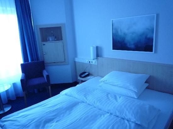 IntercityHotel Kiel: Zimmer