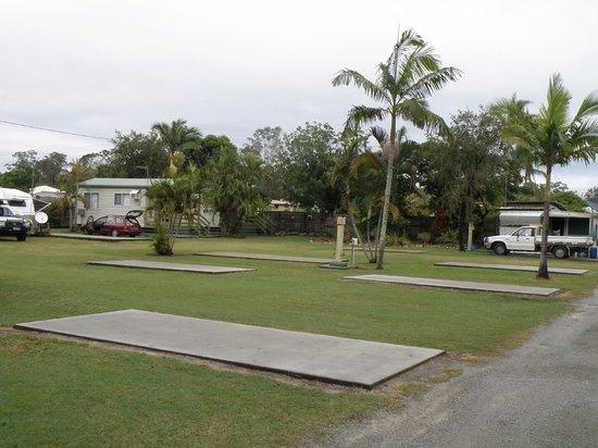 Bushchooks Traveller's Village: Bororen Caravan Park