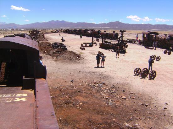 Salar de Uyuni: dead trains
