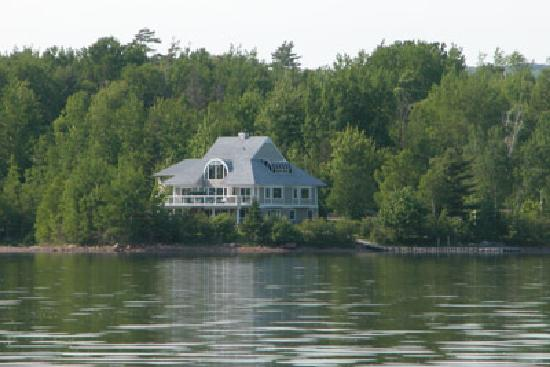 Antigonish Harbour Pat's B and B : View of the house from the water