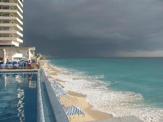 Crown Paradise Club Cancun : vue du côté de l'hotel