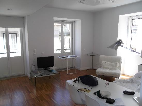 Lisbon Serviced Apartments - Bairro Alto: Inside room 2B