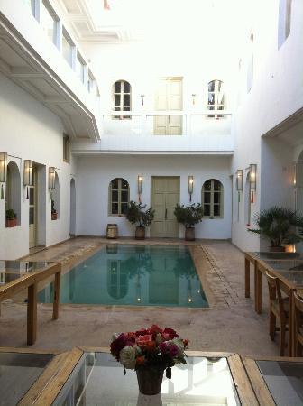 Riad Marrabahia : la cour intérieure du Riad et la piscine