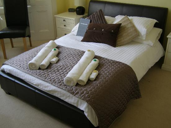 Seafield House: Bed
