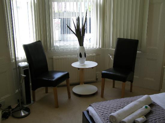 Seafield House: Room