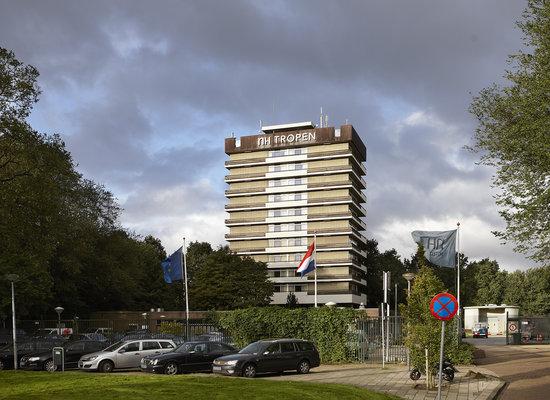 Amsterdam Tropen Hotel: Facade