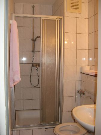 Hotel DomBlick: bathroom