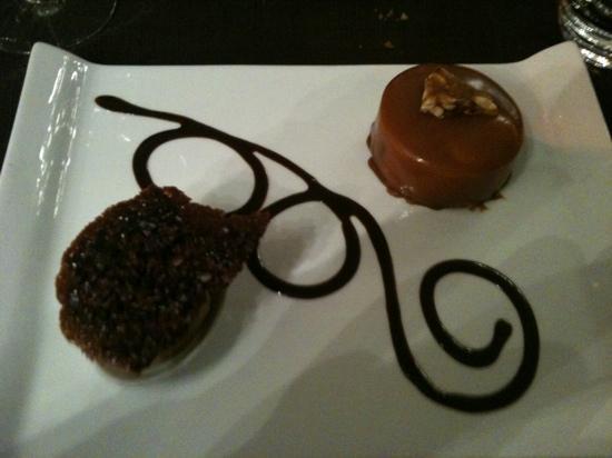 """Fleur de Sel: le dessert...pas vilain en apparence mais sans saveurs et avec une option spéciale """"goût brûlée"""""""