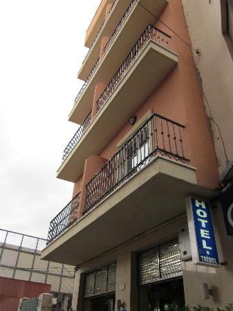 Hotel Trebol Entrance