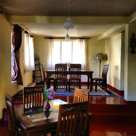 Hill View Bungalow: Clean and homely dining areas