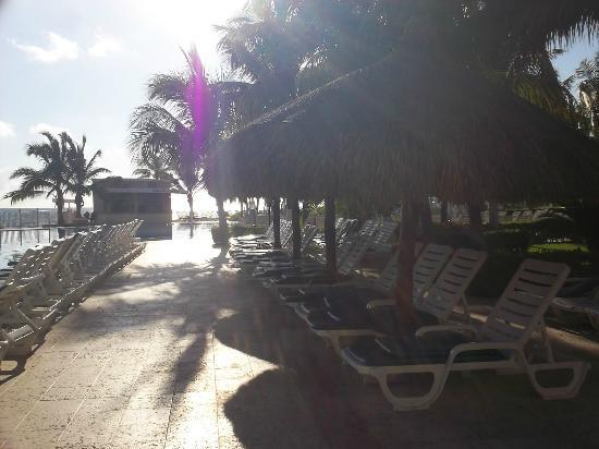 Hotel Riu Caribe: pileta