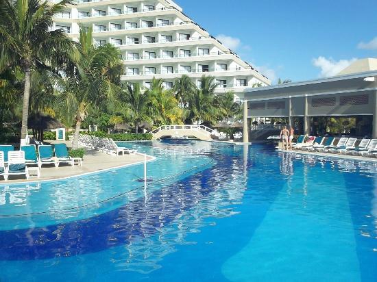 parque picture of hotel riu caribe cancun tripadvisor. Black Bedroom Furniture Sets. Home Design Ideas