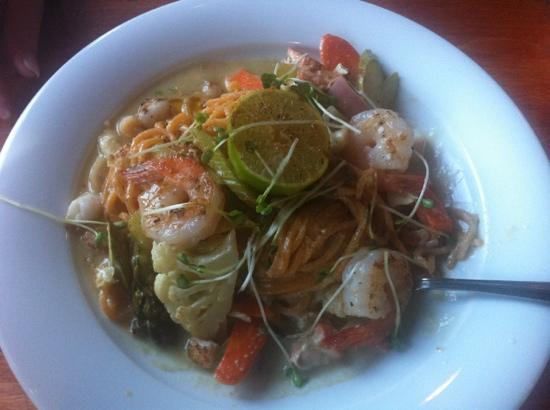 The Pony Restaurant: Thai Lemon Coconut Seafood Green Curry