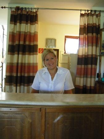 Hotel Pension Helios: Szilvia, one of the great receptionists