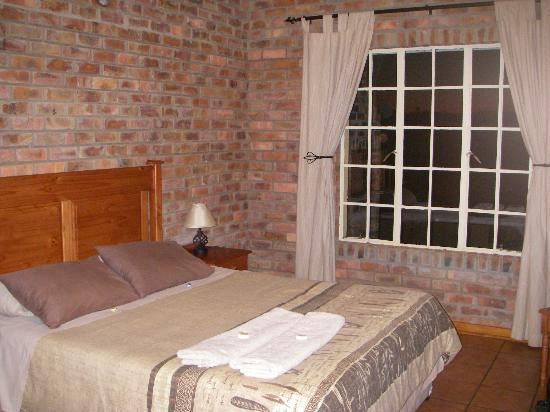 Thaba Tsweni Lodge & Safaris: chambre confortable