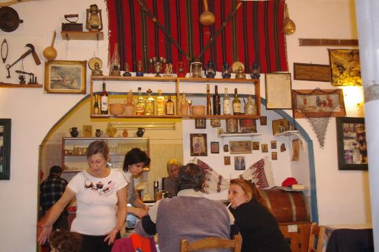 Heracles Pension: Costas taverna