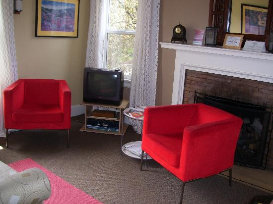 Portland International Guesthouse: Sitting Room