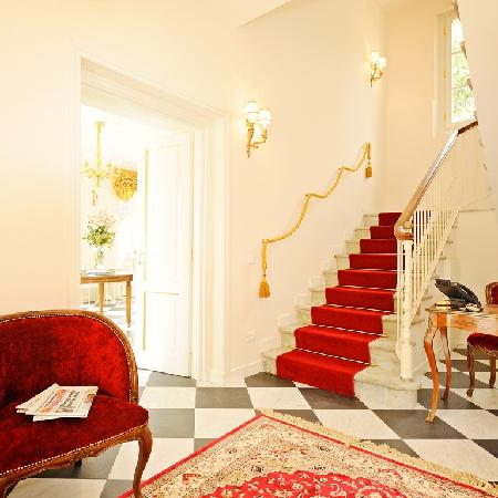 Duchessa Margherita Chateaux & Hotels Collection: hall