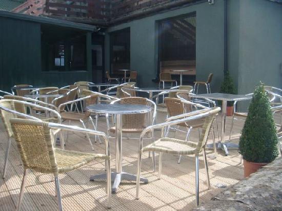 The Black Watch Bar and Croft Restaurant: Beer Garden