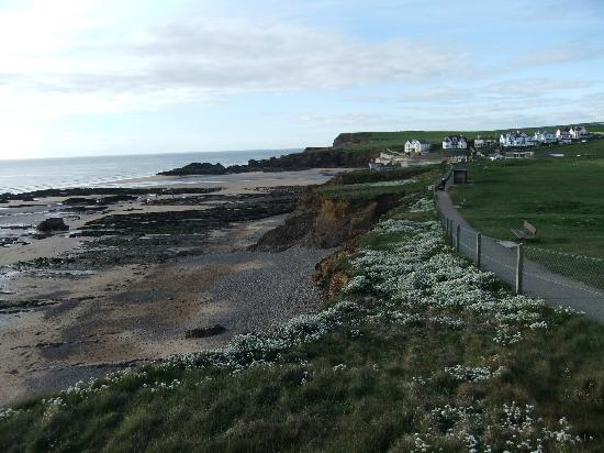 The Budehaven Guest House: Bude beach