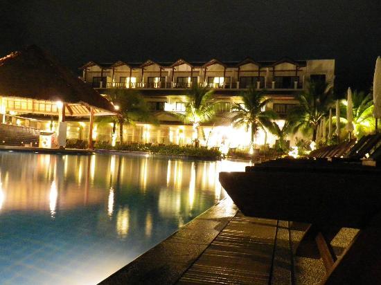 Sunprime Kamala Beach: L'HOTEL EN NOCTURNE