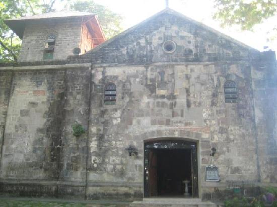 Antipolo City, Philippines : old church inside