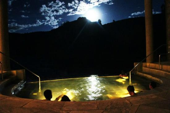 Yanque, Peru: Under the moonlight!!