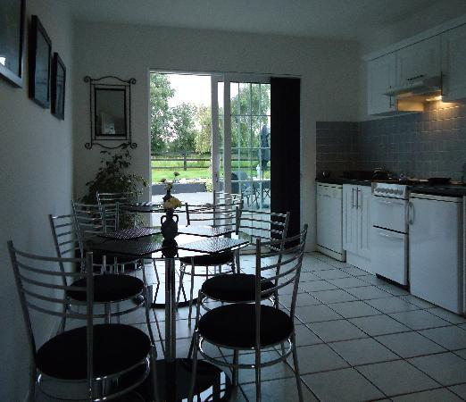 Hazelbrook Killarney: Kitchen