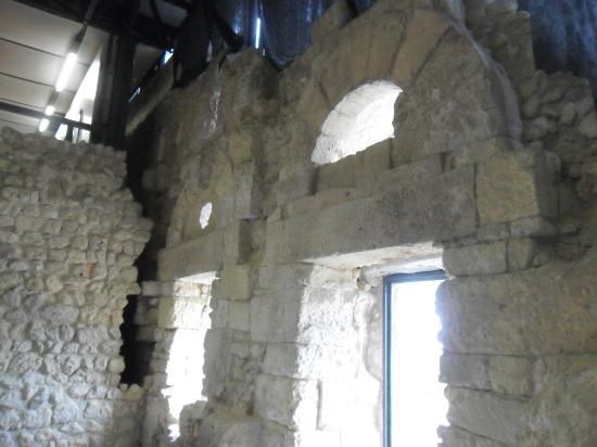 Castello di San Michele : i resti della chiesa