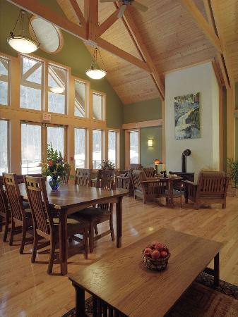 Minnewaska Lodge: Breakfast Area