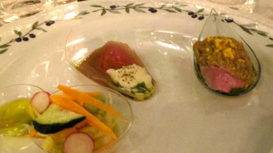 Villa Campestri Olive Oil Resort: 3 courses of antipasto
