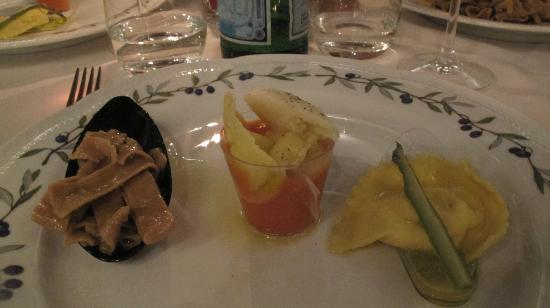 Villa Campestri Olive Oil Resort: 3 courses of pasta