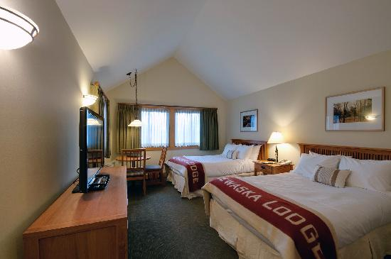 Minnewaska Lodge: Forest View 2 Beds