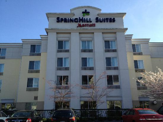 SpringHill Suites Seattle South/Renton : Hotel Facade