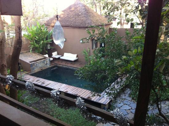 Comme Chez Soi: swimming pool