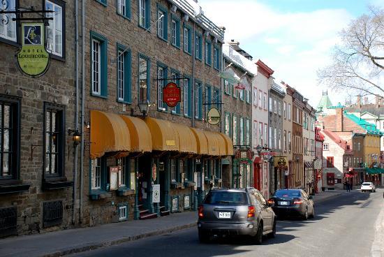 Hotel Louisbourg: L'albergo e la sua via