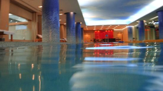 Beijing International Hotel: Piscina