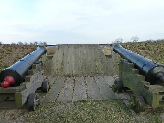 Vesting Bourtange: Kanonen