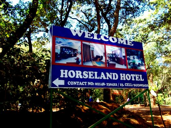 Horseland Hotel And Mountain Spa: hoarding