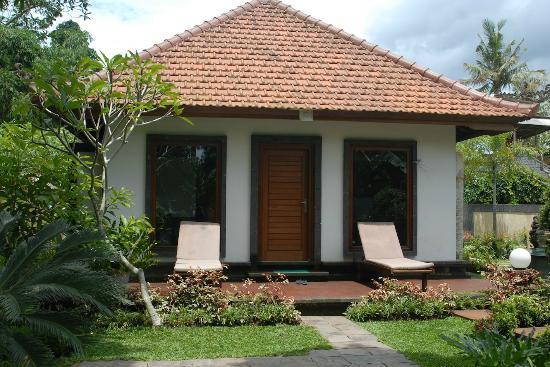 Baruna Sari Villa: the villa