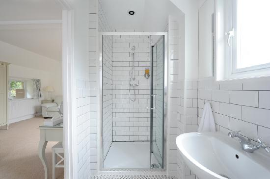 The Old Stables Bed and Breakfast: Modern shower rooms