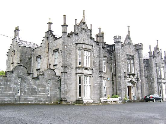 Belleek Castle: Front Exterior