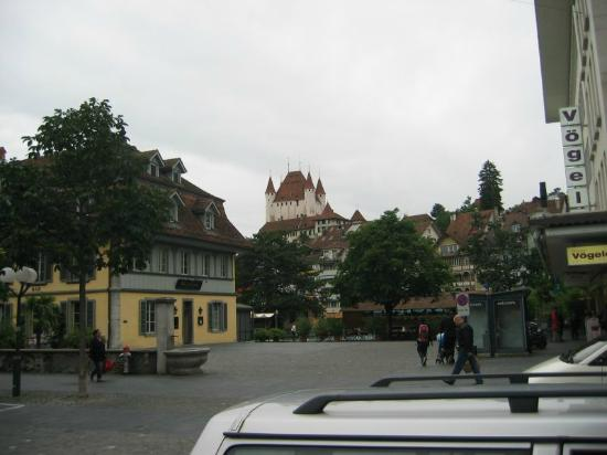 Thunersee: The castle from the town