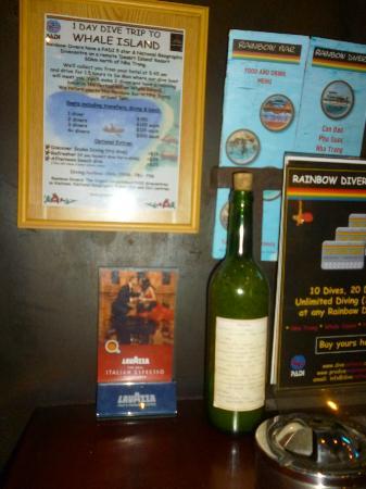 Rainbow Bar & Restaurant : listas de precios