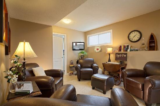 Kelowna Apple Tree: Guest Lounge